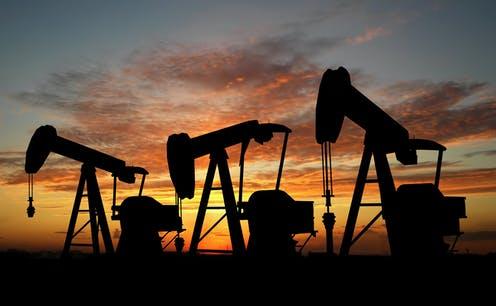 Petróleo se extiende al alza mientras la producción se desacelera para recuperarse de las tormentas de Texas