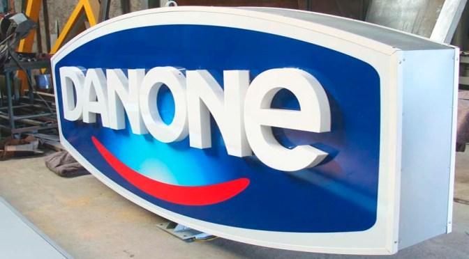 Inversionistas presionan para que Danone nombre nuevo CEO
