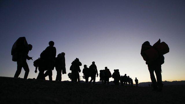 Gobierno de Biden niega una crisis de migrantes