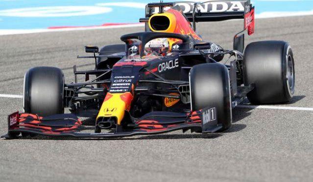 Verstappen se lleva la pole en Baréin