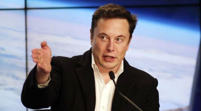 Declara Musk que limitaciones en celda de la batería afectan la producción de Tesla