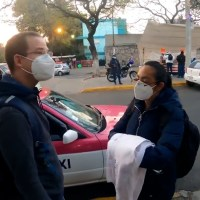 Viaja Ricardo Anaya en transporte para acompañar travesía de enfermera del IMSS