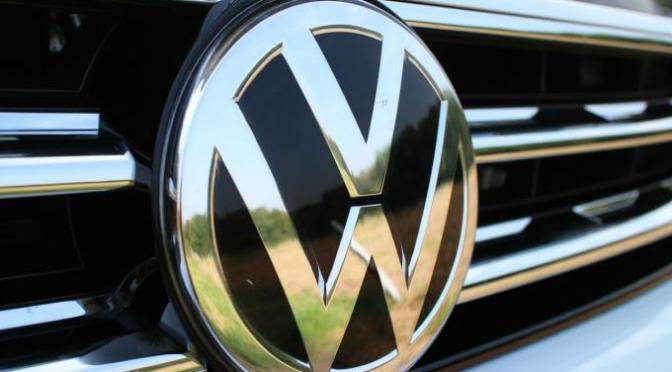Volkswagen México planea recortes de producción en marzo y abril