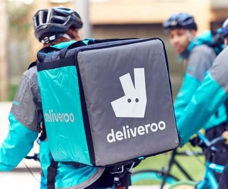 Deliveroo celebra duplicar los pedidos mientras busca la redención de la salida a bolsa