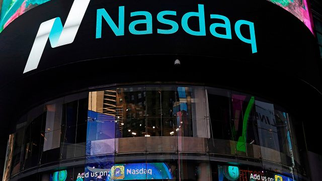 Nasdaq ganan un 1% por delante de los datos semanales de reclamaciones de desempleo
