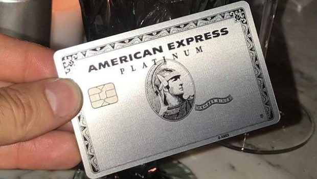 Ganancias de American Express superan el aumento de liberación de reservas de más de mil millones de dólares