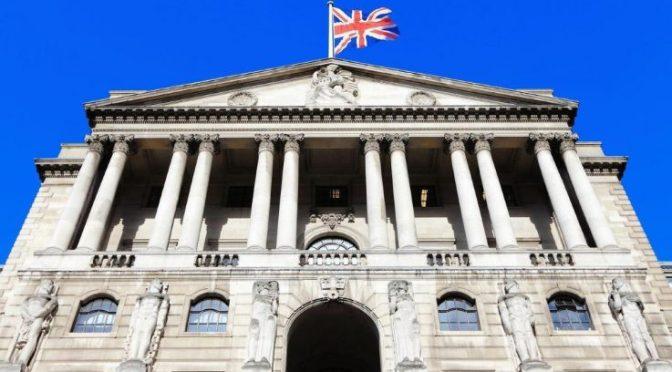 Probable que Banco de Inglaterra frene las compras de bonos hasta que la economía se recupere