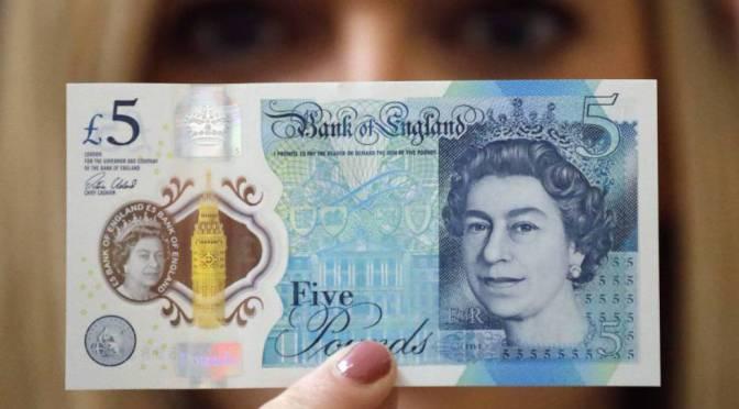 Libra esterlina cierra la semana con ganancias frente al dólar