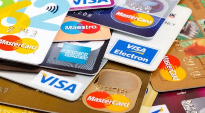 Grandes bancos buscan un repunte post-pandémico de los ingresos de las tarjetas de crédito
