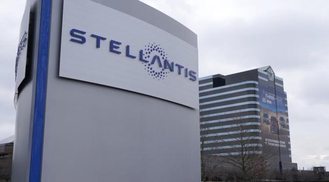 Stellantis y Foxconn crearán tecnología para  automóviles centrada en la conectividad JV