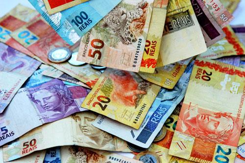 Deuda del gobierno de Brasil cae al 86.7% en abril