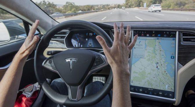 Detalla Tesla que es muy posible que coches totalmente autónomos no se logren para finales de año