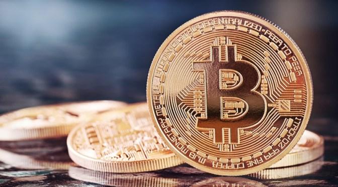 Bitcoin cae casi 50% desde que alcanzó su máximo en lo que va del año