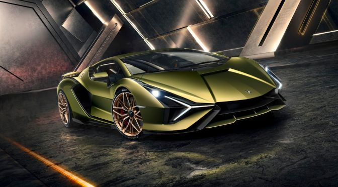 Lamborghini traza un curso cauteloso hacia la electrificación