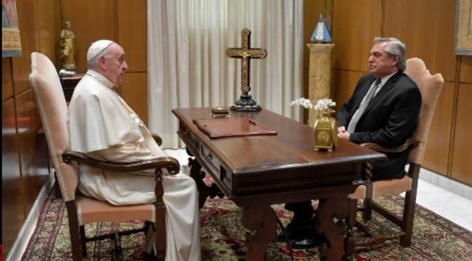 Papa Francisco recibe al presidente argentino Alberto Fernández