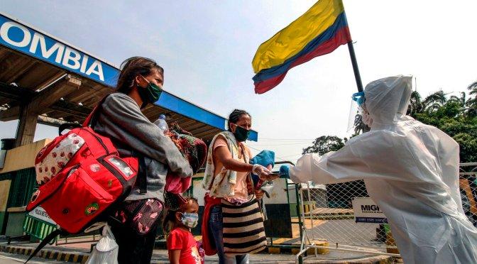 Colombia reiniciará grandes eventos a medida que las muertes por COVID-19 superan las 90,000