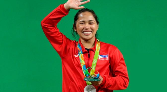 Hidilyn Díaz se convierte en la primera medallista de oro en la historia para Filipinas