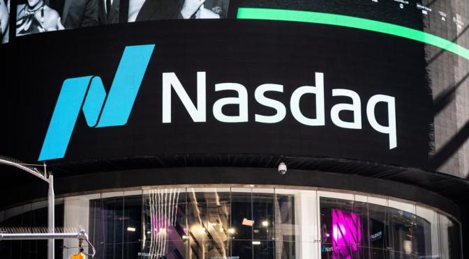 Nasdaq y S&P 500 caen mientras las ganancias de Amazon decepcionan
