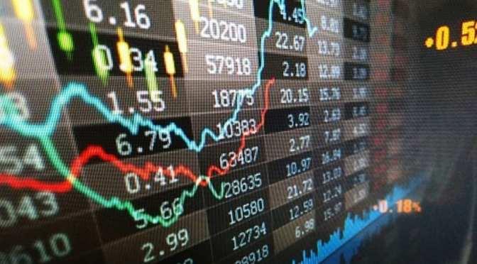 Aumento de COVID-19 provoca la recuperación de bonos, mientras las acciones están en su peor racha en 18 meses