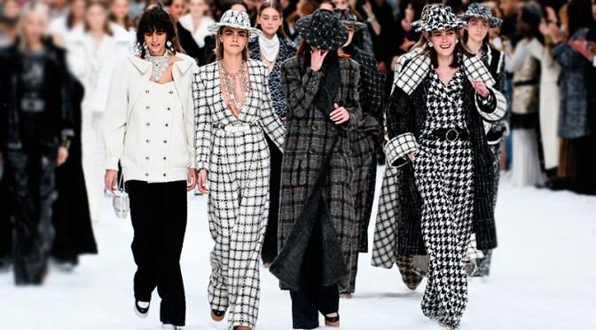 Chanel salpica mucho color en el show en vivo de alta costura