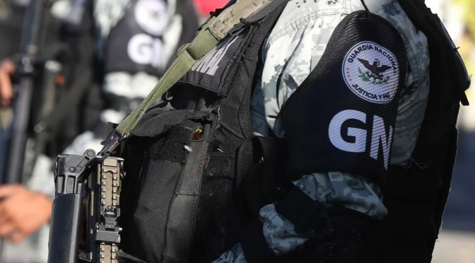 Liberan a 51 uniformados retenidos en Oaxaca