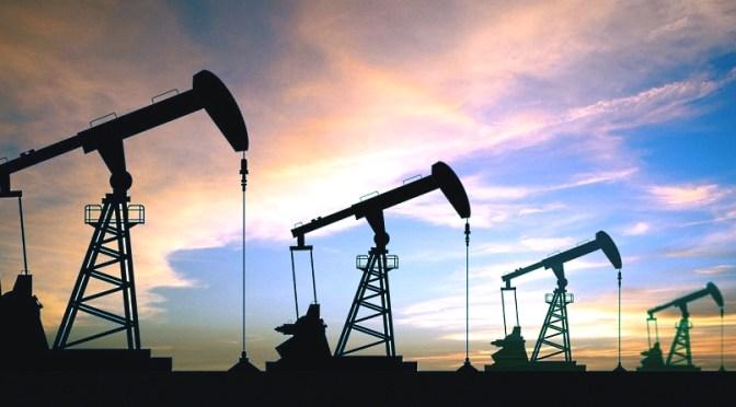 Petróleo cae un 5% después de que los productores de la OPEP+ acuerden aumentar la producción