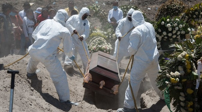 Existen 35% más muertes por COVID-19 de las que reporta la Secretaría de Salud: Inegi