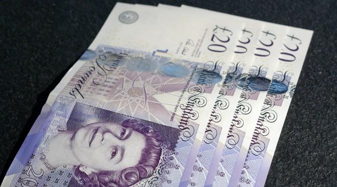 Libra esterlina recupera terreno frente al dólar