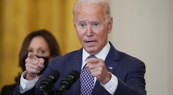 Biden advierte que otro ataque militante en Afganistán es muy probable