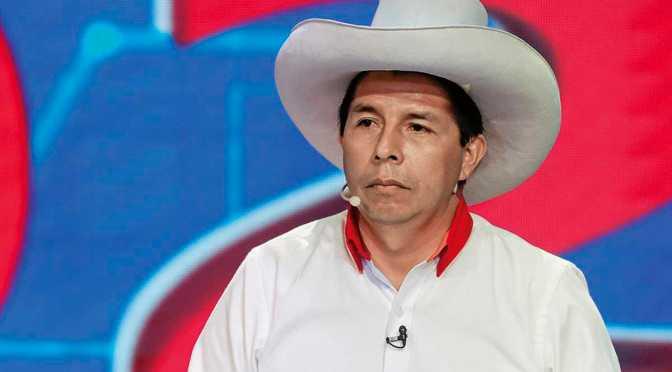 Ministros de Castillo buscan aprobación del Congreso en Perú