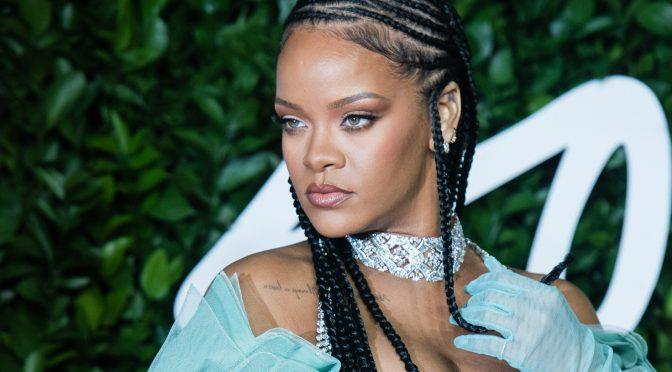 Rihanna es oficialmente multimillonaria, dice Forbes