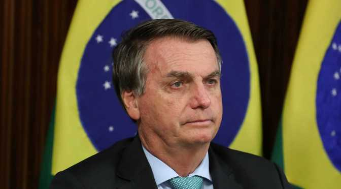 "Bolsonaro ataca a jueces de Brasil, advierte de ""rotura institucional"""