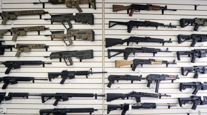 Claves para entender la nueva ley aprobada en Texas para portar armas sin licencia