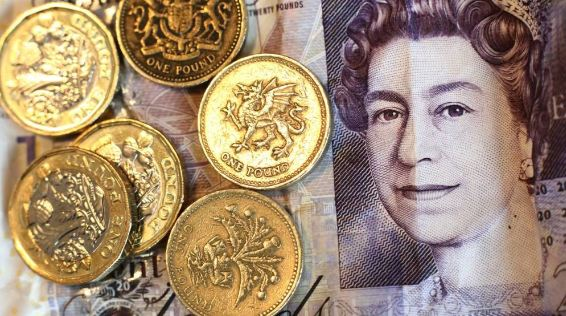 Libra esterlina aumenta debido a expectativas en las tasas de interés
