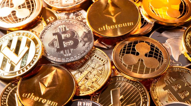 Banco Central de China declara ilegal el uso de las criptomonedas