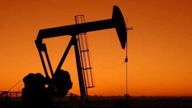Petróleo cae a 78 dólares por barril