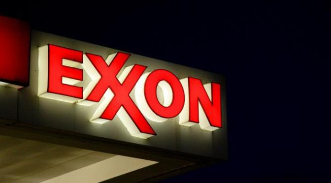 United Steelworkers acusa a Exxon de romper sindicatos en la refinería de Texas