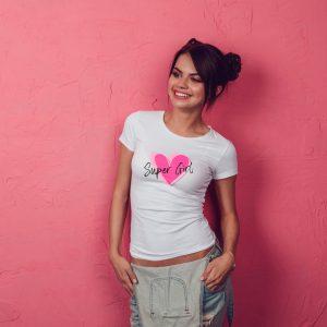Offrez vous ce magnifique t-shirt femme Super Girl original . Un cadeau idéal pour votre meilleure amie.