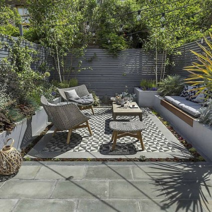 Amazing Small Courtyard Garden Design Ideas 04