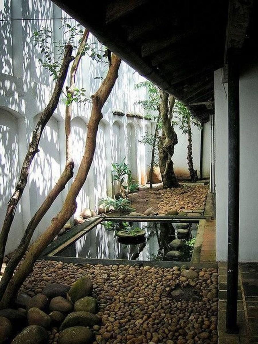 Amazing Small Courtyard Garden Design Ideas 17