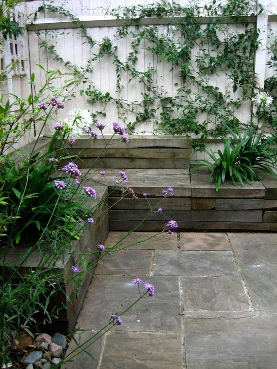 Amazing Small Courtyard Garden Design Ideas 21