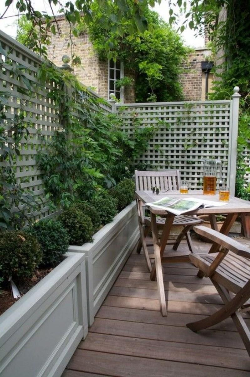 Amazing Small Courtyard Garden Design Ideas 36