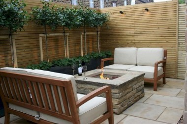 Amazing Small Courtyard Garden Design Ideas 43
