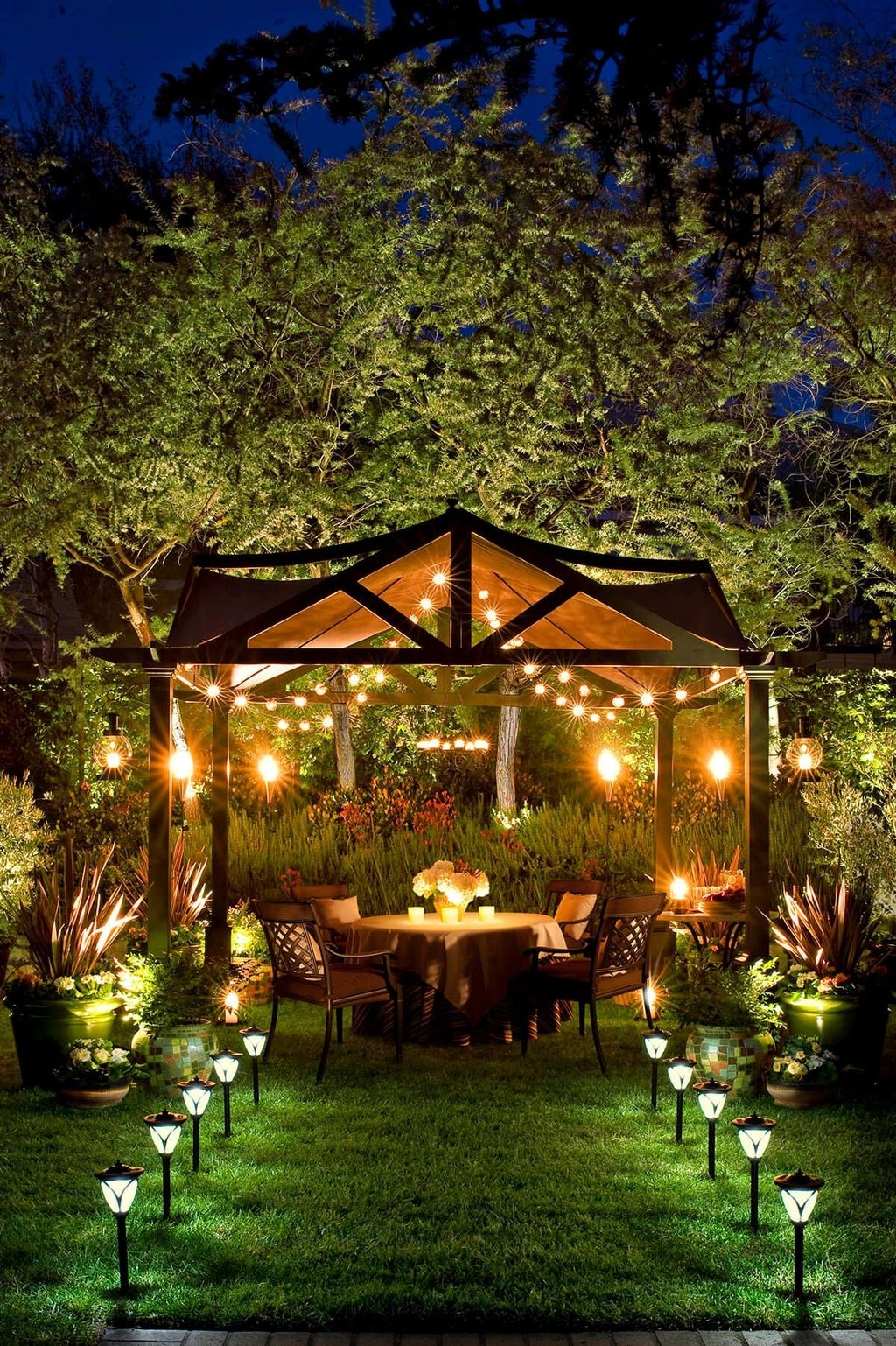 Inspiring Outdoor Lighting Ideas For Your Garden 36