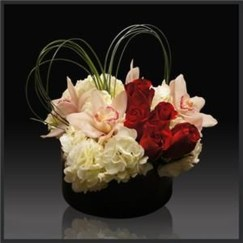 Lovely Rose Arrangement Ideas For Valentines Day 07
