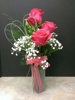 Lovely Rose Arrangement Ideas For Valentines Day 23