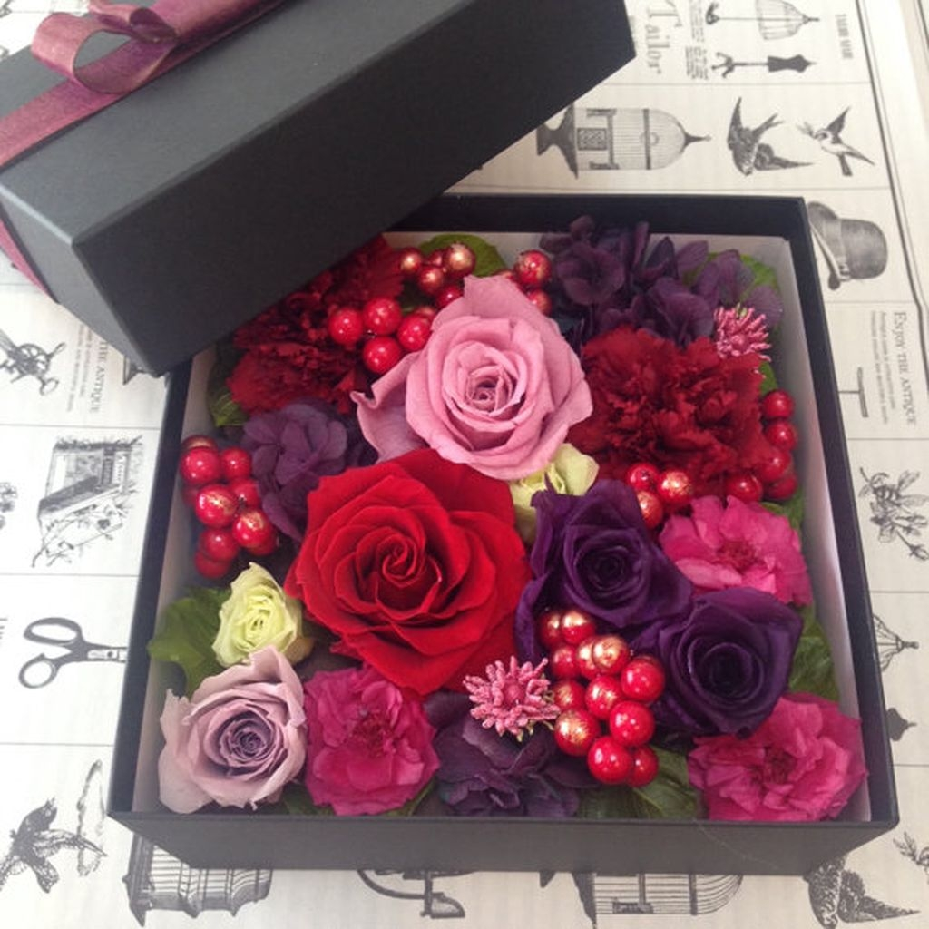 Lovely Rose Arrangement Ideas For Valentines Day 25