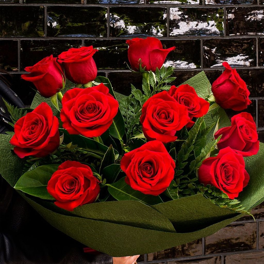 Lovely Rose Arrangement Ideas For Valentines Day 43