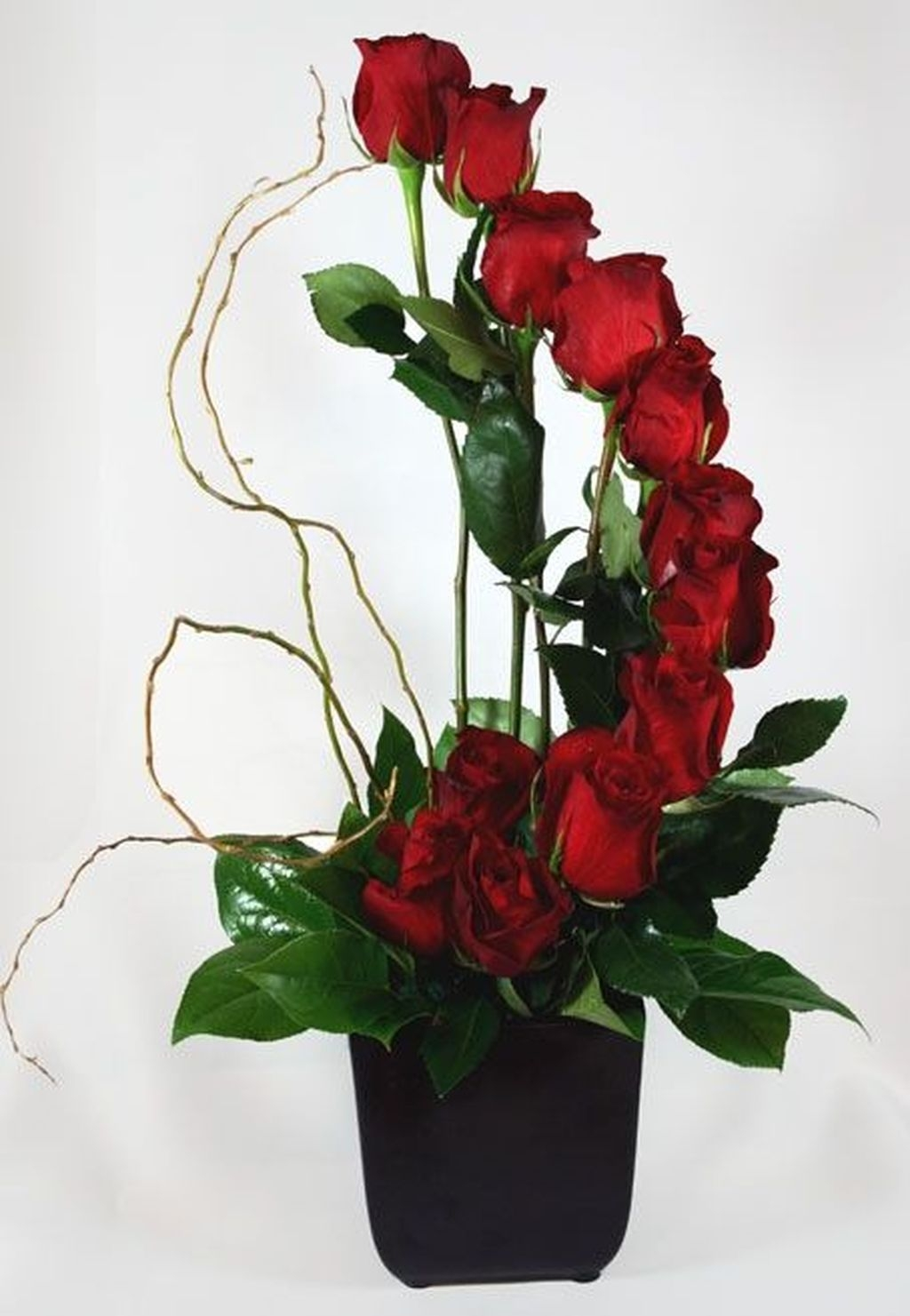 Lovely Rose Arrangement Ideas For Valentines Day 47