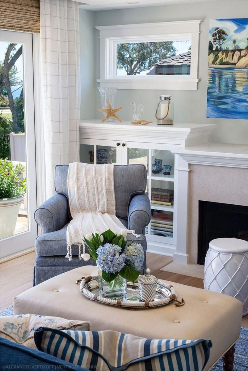 Amazing Coastal Living Room Decoration Ideas You Must Try 04